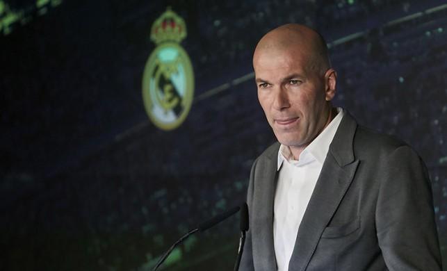 Zinedine Zidane ilk transferini yaptı!