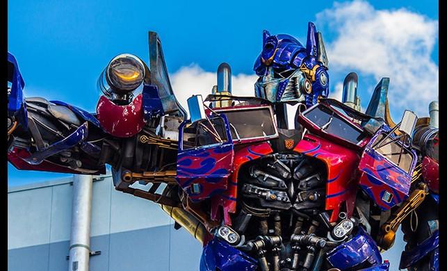'Transformers'ın yeni filmi romantik mi olacak?