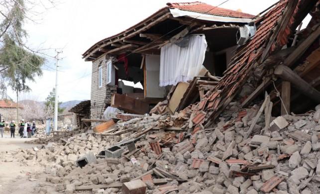 Denizli'de bir deprem daha... 3 günde 862 kez sallandı