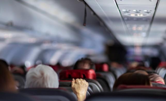 """Uçak fobisine son veren yöntem: """"Sanal gerçeklik"""""""