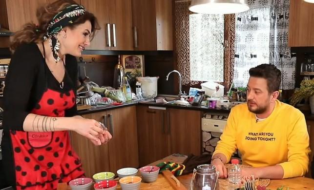 Esra Aydoğdu kimdir, kaç yaşındadır? Yemekteyiz 25 mart yarışmacısı Esra Aydoğdu