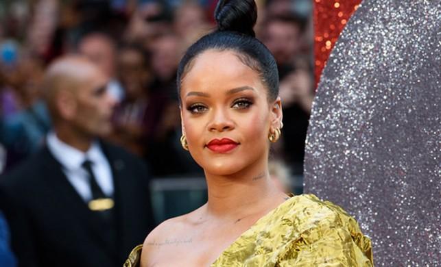 Rihanna için flaş iddia! 'Milyarderle nişanlandı ve hamile...'