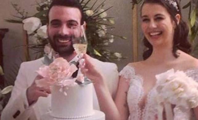 2012 Türkiye Güzeli Sezgi Sena Akay, Emir Hasanoğlu ile evlendi