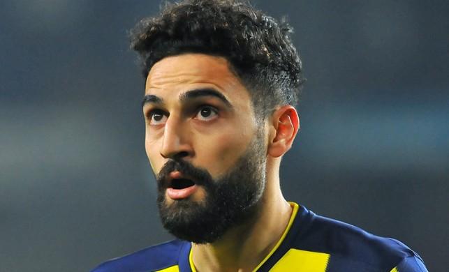 Mehmet Ekici neden kırmızı kart aldı? Ankaragücü Fenerbahçe maçında kavga çıktı!