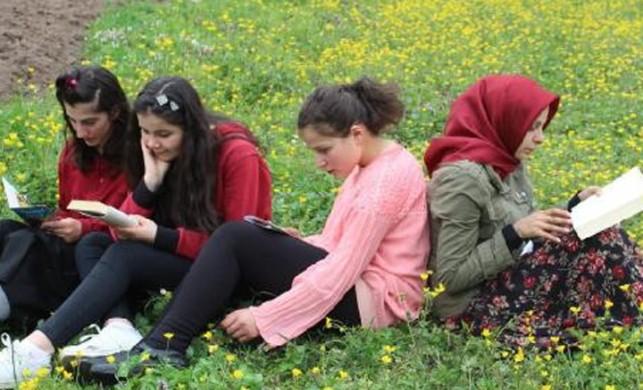 Doğa için doğada kitap okudular