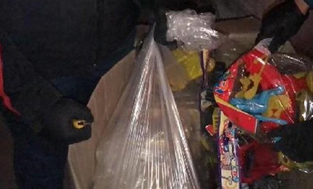 Oyuncak ve ceviz kolilerinden 285 kilo eroin çıktı