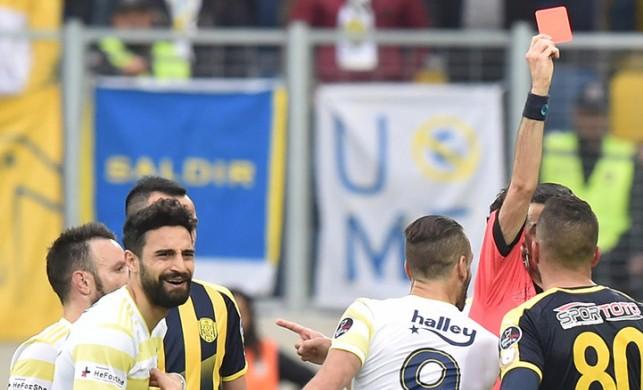 Fenerbahçeli Mehmet Ekici'nin cezası onandı!