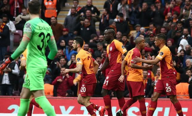 Galatasaray'da büyük tehlike! Derbi...