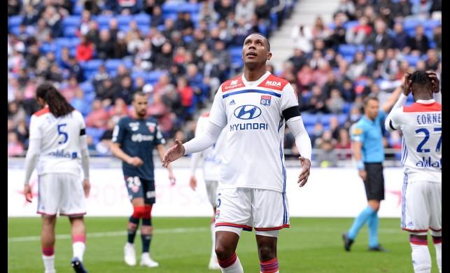 Lyon taraftarından eski beşiktaşlı Marcelo'ya sert tepki!