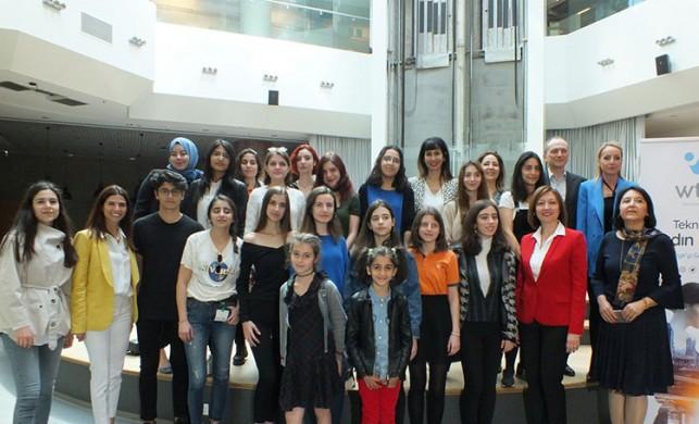 Teknolojide Kadın Derneği, kız öğrencilerle teknoloji CEO'larını bir araya getirdi