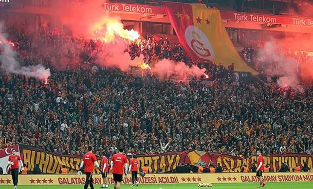 Galatasaray'dan Beşiktaş derbisi öncesi büyük gelir!