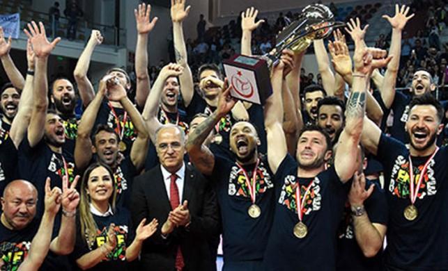 Fenerbahçe'de şampiyonluk coşkusu