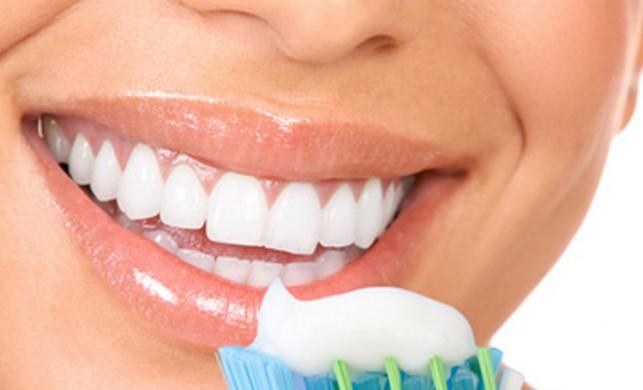 'Oruçluyken ağız kokusunu diş fırçalayarak önleyin'