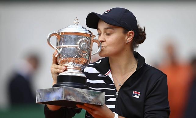 Ashleigh Barty'den bir ilk: Fransa Açık'ta şampiyon