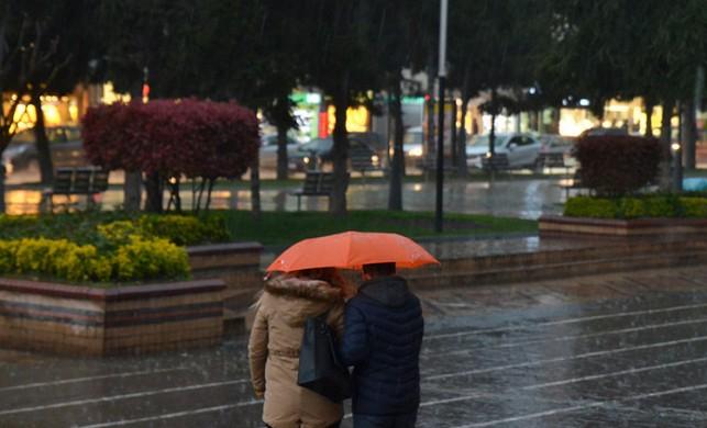 Meteoroloji'den sağanak yağış uyarısı! (İstanbul'da durum ne?)