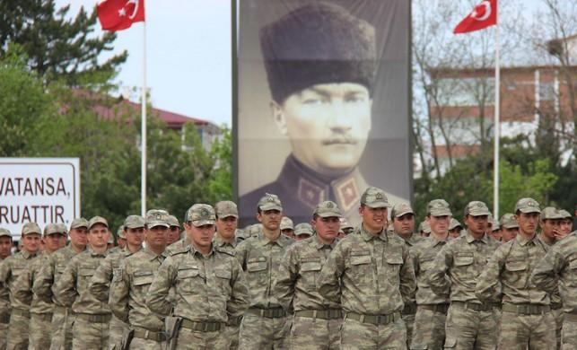 Askerlik süresini 6 aya indiren yasa teklifi kabul edildi