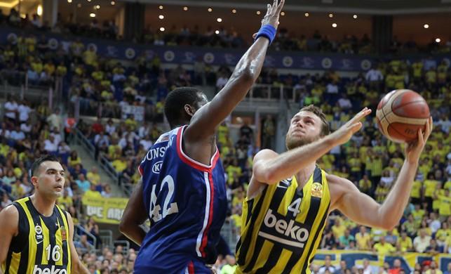 Şampiyonluk 7. maça kaldı... Fenerbahçe Beko: 85 - Anadolu Efes: 69