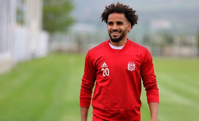 Douglas, Beşiktaş'a imzaya geliyor