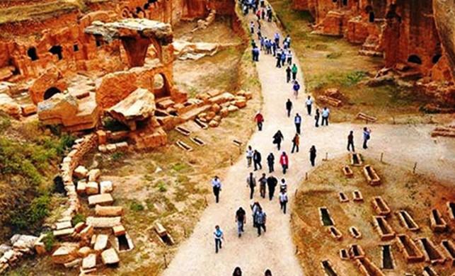 Tarihi yapılar ve eserler gün yüzüne çıkarılıyor! Doğu'nun Efes'ine ziyaretçi akını