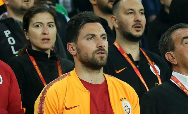 Taraftara 'Suriyeli' demişti, takımdan gönderildi