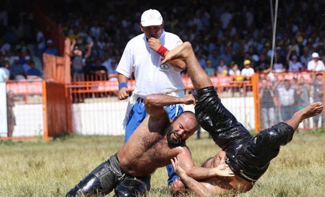 Kırkpınar Yağlı Güreşleri'nde finalistler belli oldu