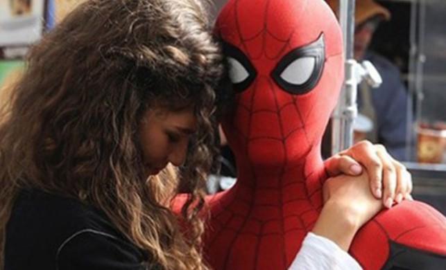 Örümcek-Adam: Evden Uzakta Avengers: Endgame'i solladı