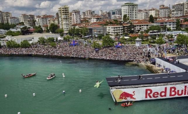 Red Bull Uçuş Günü'nde birinciyi ünlüler belirleyecek