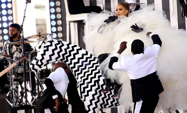 Jennifer Lopez'i locadan izlemek 50 bin euro!