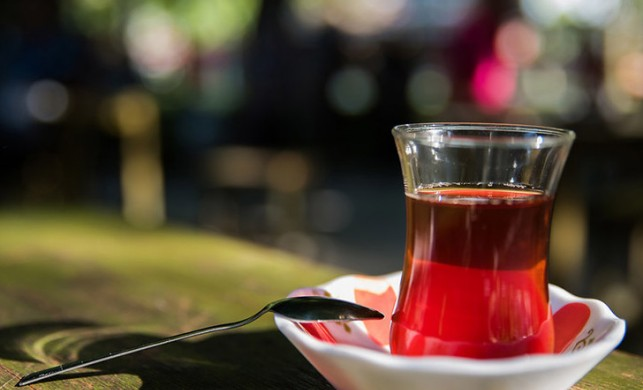 Tüm bildiklerinizi unutun! Yatmadan önce tüketilen çay ve kahve uykuyu etkilemiyor