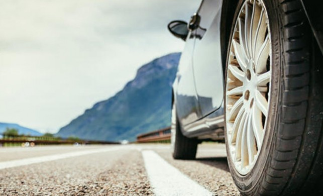 Sıfır araba boyalı çıktı! Mahkeme 171 bin lirayı geri ödemeyi hükmetti
