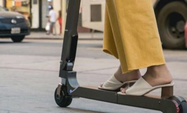Hyundai üçe katlanan elektrikli scooter üretti!