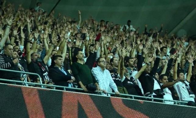 Beşiktaş taraftarından şok protesto! Sergen Yalçın sesleri