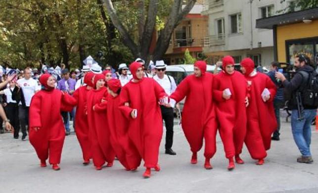 Tromboz farkındalığı için Galata Kulesi Meydanı'nda dans edecekler