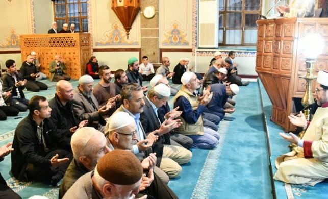 'Barış Pınarı Harekatı' için tüm camilerde Fetih Suresi okundu