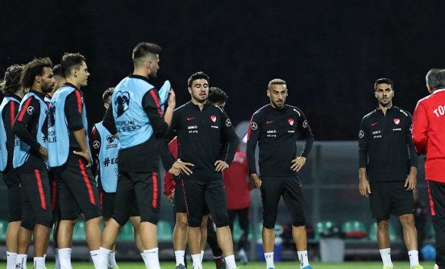 Türkiye-Arnavutluk maçının ilk 11'leri belli oldu