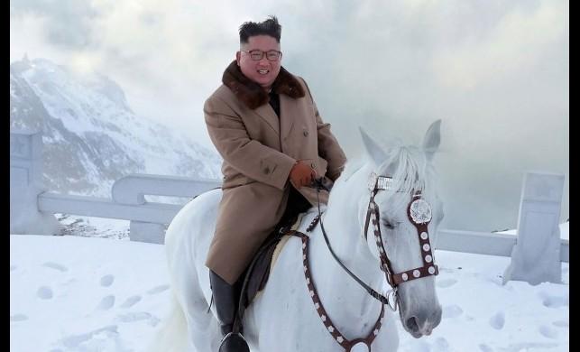 Yine yaptı yapacağını, at sırtında dağa çıktı