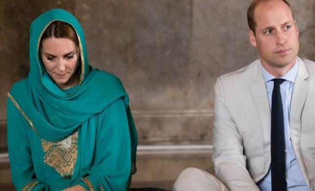 İngiliz Kraliyet Ailesi camide Kur'an dinledi, Middleton başını örttü