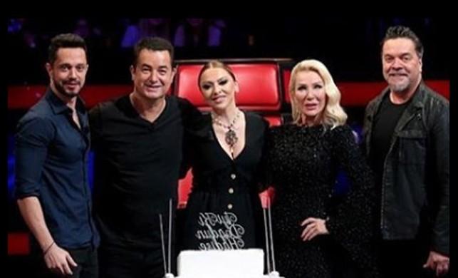 O Ses Türkiye ekibi Hadise'nin doğum gününü kutladı!