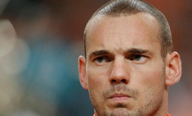 Sneijder'in kitabı yazılıyor!