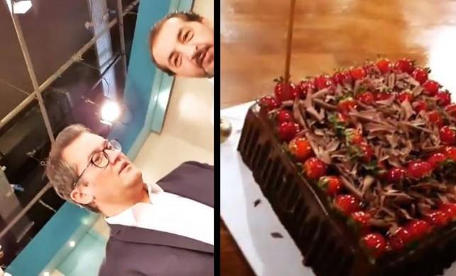 Mehmet Şef'ten Cengiz Semercioğlu'na doğum günü pastası