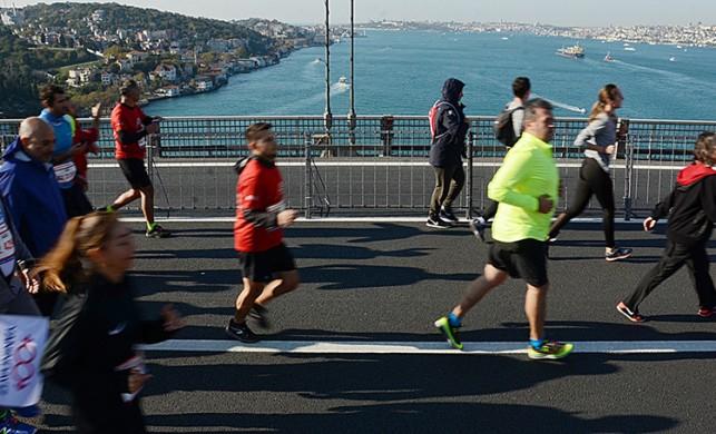 15 Temmuz Şehitler Köprüsü yeniden trafiğe açıldı! (İstanbul Maratonu sona erdi)