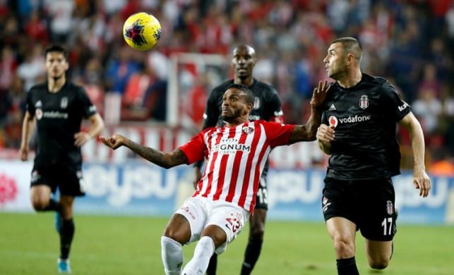 Beşiktaş, Antalyaspor'u deplasmanda yendi