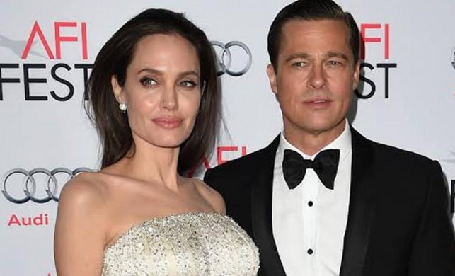 Angelina Jolie, Brad Pitt'i protesto etmek için soyundu