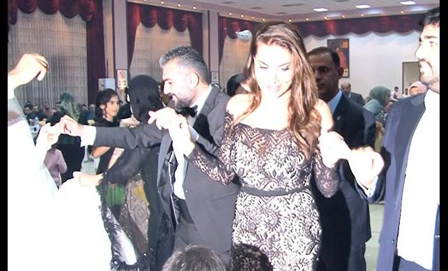 Ebru Yaşar nereli? Diyarbakır'a giden Ebru Yaşar düğünde halay çekti