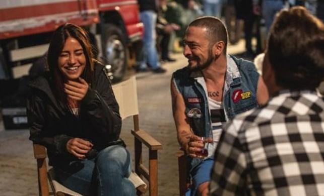 Ahmet Kural'a sevgilisi Gizem Çağla Çelik'ten romantik kutlama