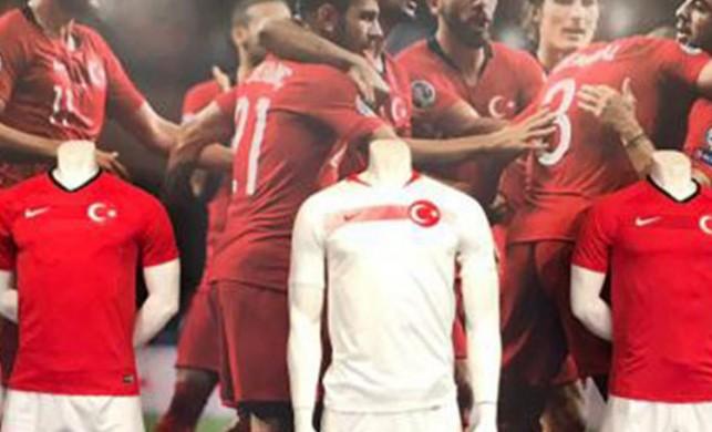 Ay-yıldızlı formalar, Türk Telekom Stadı'nda satışa sunuldu