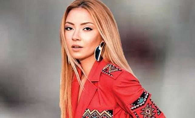 Ece Seçkin'in rap paylaşımı sosyal medyaya damga vurdu