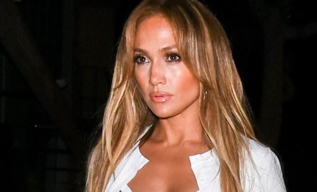 Hollywood'u sarsan taciz skandallarının ardından bir itiraf da dünyaca ünlü oyuncu Jennifer Lopez'den geldi