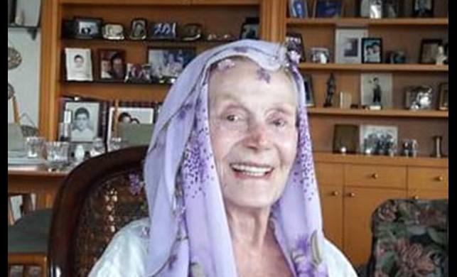 Hayatını kaybeden usta tiyatrocu Yıldız Kenter'in son çektirdiği fotoğraflar ortaya çıktı