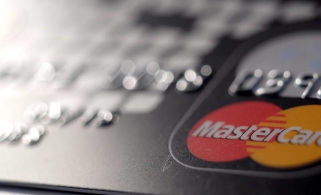 Kredi kartı kullananlar için yeni gelişme! Taksitler kalktı...